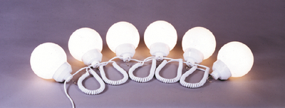 POLYMER PRODUCTS LLC WHITE FIXTURE/WHT 6IN GLOBES (1601-00379)